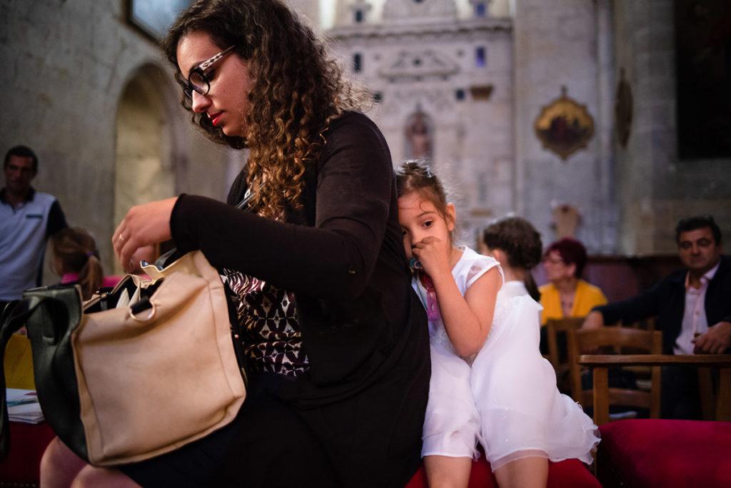 Reportage de baptême à La Ferté Bernard dans la Sarthe. Fin de la cérémonie de baptême.