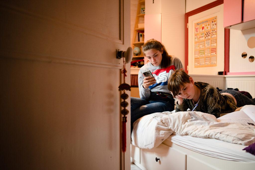 Mon projet photo 52 : bilan 6 semaines. Portrait d'ados dans leur chambre. Scène de vie.