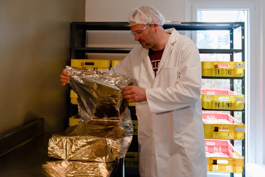 Reportage artisan en Mayenne avec Sacé Nature. Partie 1. Fabrication de savon par un artisan savonnier.
