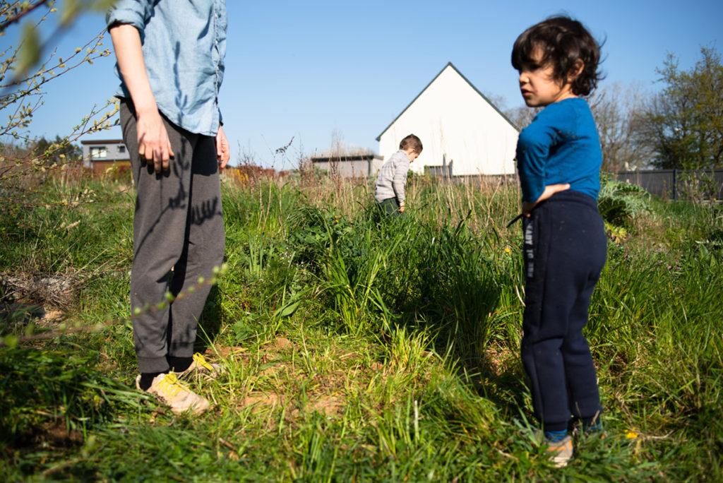 Rétrospective 2019, mes photos préférés ! Reportage de famille à Rennes, scène de famille en extérieur. Photographe Pascaline Michon.