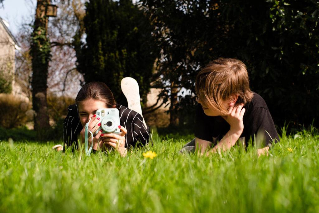 Documenter le quotidien pendant le confinement. Détente dans le jardin.