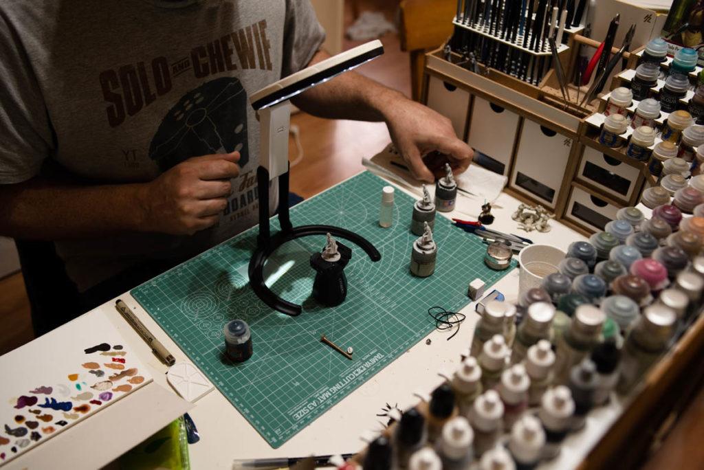 Documenter le quotidien pendant le confinement. Passion maquettes et figurines.