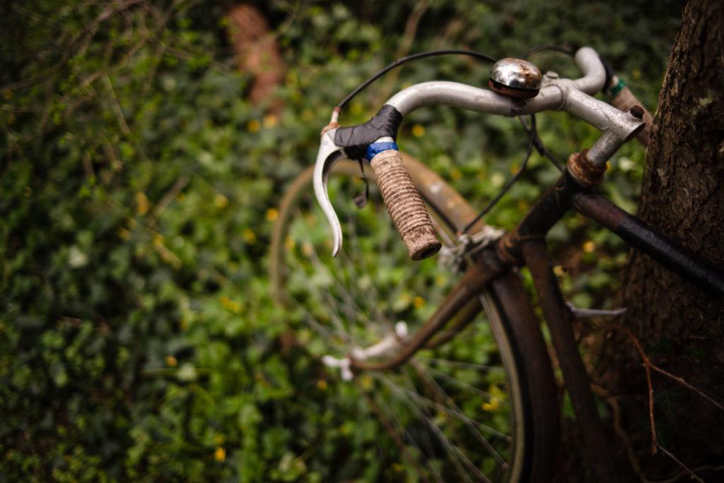 Documenter le quotidien pendant le confinement. Le vélo de papy.