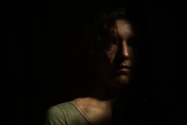 Autoportrait en clair obscur