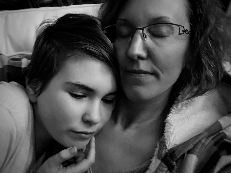 Autoportrait mère fille - Pascaline Michon - Photographe de famille- Reportage - Evron