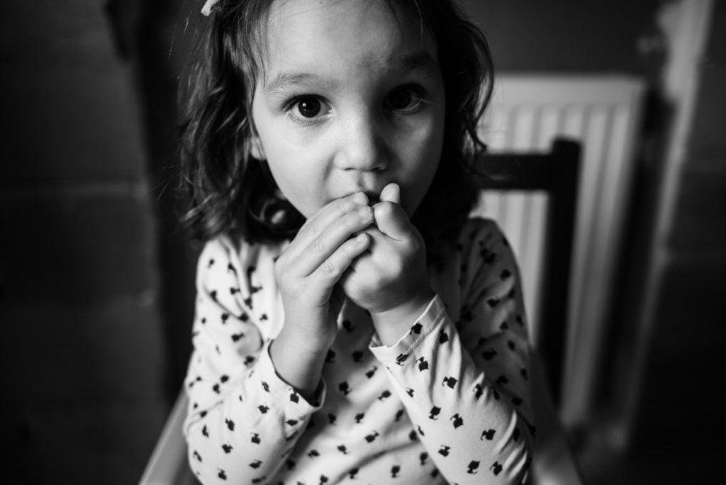 Reportage de famille. Portrait en noir et blanc.