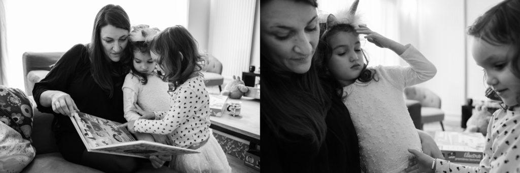 Moment tendresse entre une maman et ses fille.