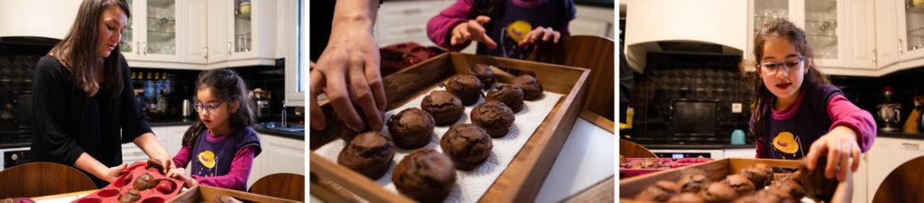 Petits moelleux au chocolat. Reportage de famille.