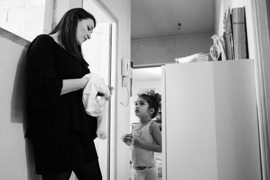L'heure du bain pour les enfants. Reportage de famille.
